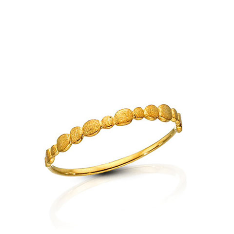 Simple gold band with gold drops